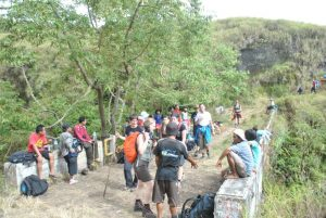 Climb Mount Rinjani to Crater Rim