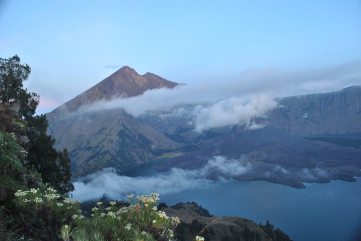 Mount Rinjani Trekking Tour 2 Days